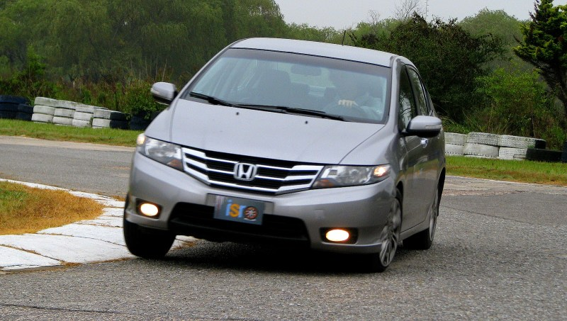 Honda%2520City%2520%252805-05-2014%2529_7378%2520-%2520copia.JPG