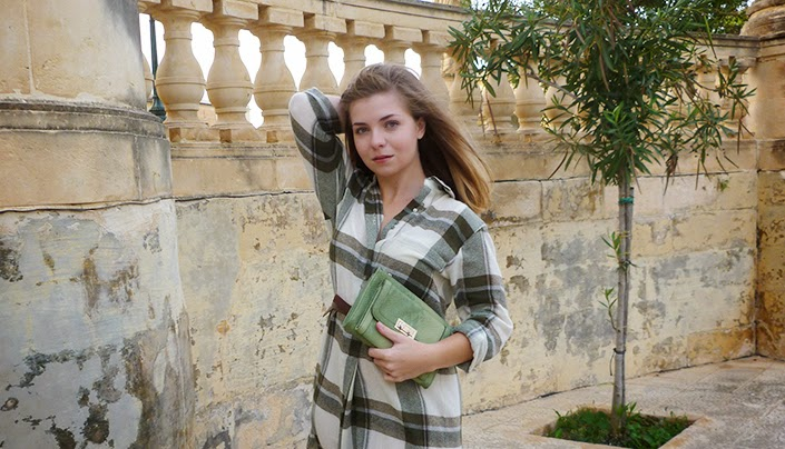 khaki plaid dress, simple and comfy outfit, fall look, everyday outfit idea, fashion inspiration