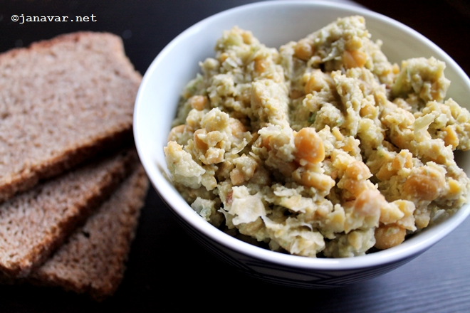 Food: Cucumber hummus
