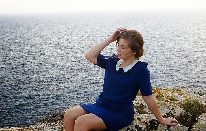 outfit ideas, how to wear a blue dress, dress with claudine collar, sannat cliffs, landscape Malta Gozo