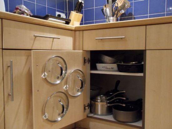 ordenar tapas de cocina.
