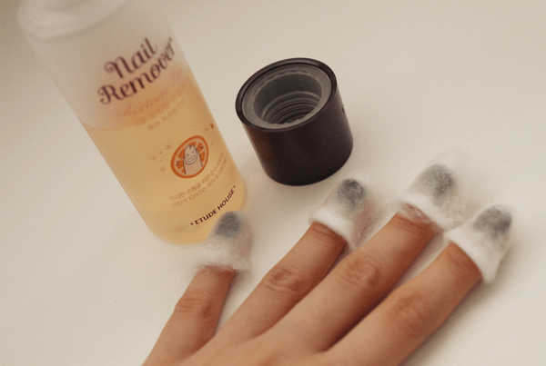Wet Each Cotton Piece With Your Nail Polish Removal And Wrap It Around Finger Or Thumb Unless There S On The Underside Of Nails