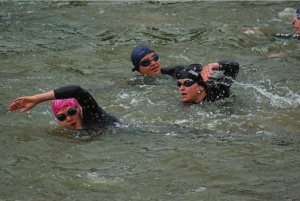 Roeselare Sport: zwemmen tijdens triatlon