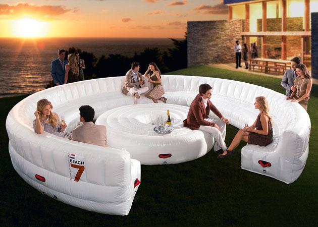 *充氣式大型客廳沙發:戶外海灘派對就靠它了! 1