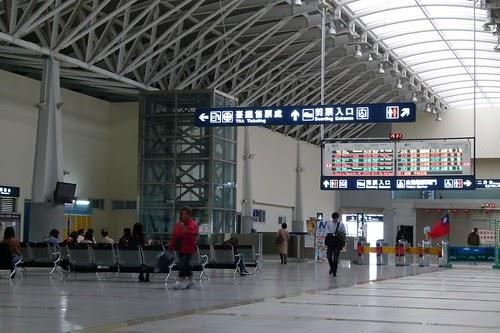 臺中2B月臺: 新烏日站-2011年11月