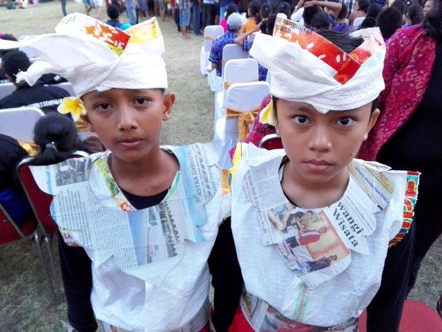 Download 87 meme baju lebaran dari karung beras terlengkap meja via mejabelajar12.blogspot. 57+ Tren Gambar Lucu Baju Lebaran Dari Karung