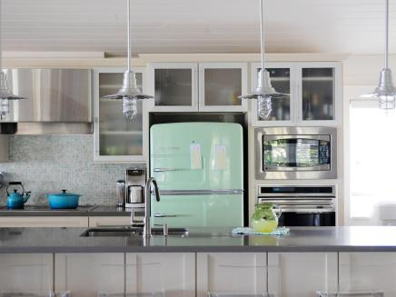ci-big-chill_appliance-trends-retro-refrigerator-jpg-rend-hgtvcom-1280-960