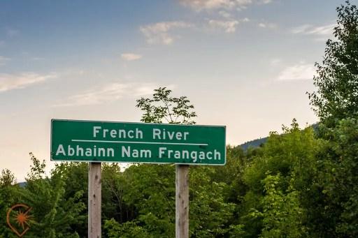 panneau bilingue anglais gaelique cap breton
