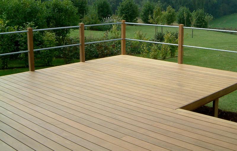 Poser une terrasse à l'aide des clips de fixation invisibles B-Fix.