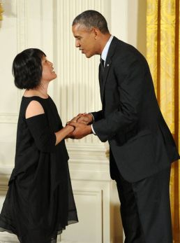 President Barack Obama presents the National Medal of Arts to architect Billie Tsien in a White House ceremony on July 28, 2014. Photo by Jocelyn Augustino.
