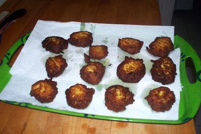 Buñuelos de cebolletas y garbanzos 018