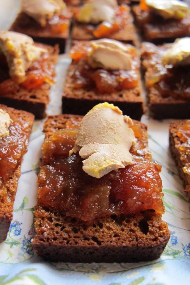 法國人餐桌記錄- 2015年第ㄧ天我家的餐桌 A table-鵝肝醬佐洋蔥甜醬