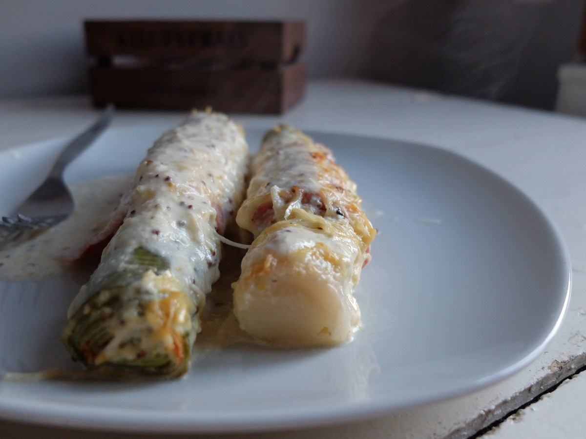 芥末鮮奶油乳酪烤火腿大蔥Gratin de poireaux au bacon