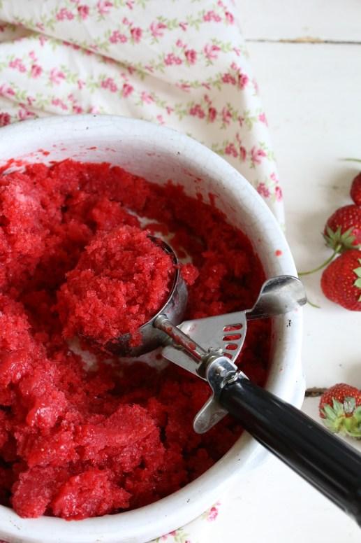 義式家常甜點-草莓冰沙FRAISES EN GRANITÉ