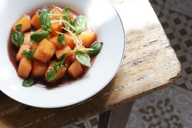 哈密瓜甜白酒薑絲與菜園裡的香草-2