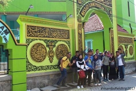 Layur-masjid-pekojan2-lia-imambonjol-jpg