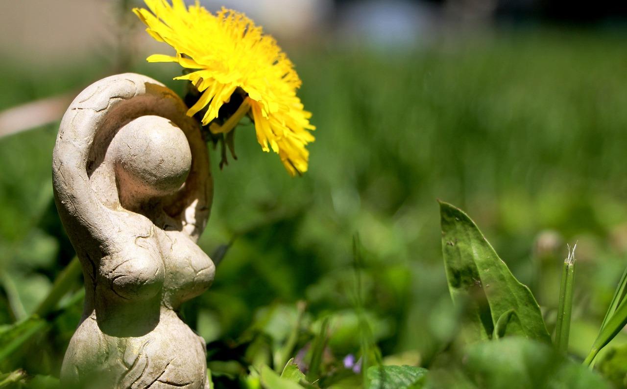 goddess, female, pagan-1500599.jpg