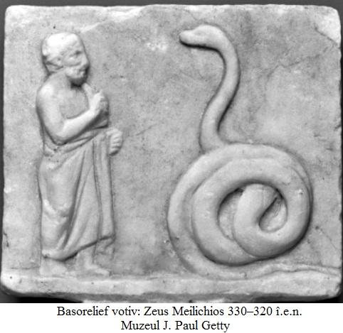8.3.3.1 Basorelief votiv - Zeus Meilichios 330–320 î.e.n. - Muzeul J. Paul Getty