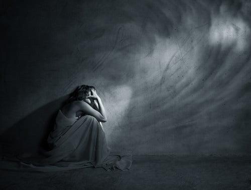 思い込みの強いホステスは注意!思い込みが招く負のスパイラル