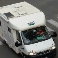 Posso parcheggiare il camper per strada?