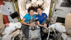 US astronaut lands on earth after 328 days in space – The Liberator