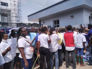 Happening Now: Ijaw Youths Storm Portharcourt, Shutdown NDDC Office, Wants Constitution Of Substantive Board