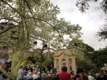 setting for open-air opera La Locandiera
