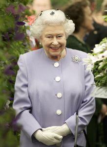 queen-elizabeth_ii_at_chelsea_flower_show