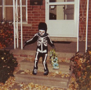 halloween, trick or treater