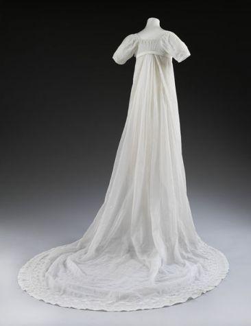 1807 wedding dress © Victoria and Albert Museum, London