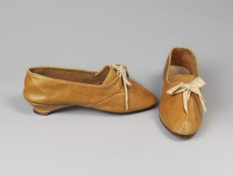 walking shoes 1806-11 © Victoria and Albert Museum, London