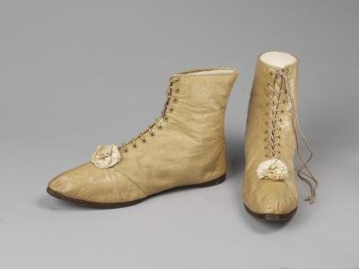 kid leather half-boots 1815-20 © Victoria and Albert Museum, London