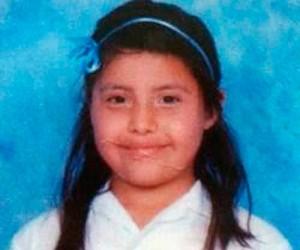 (Fotografía de la niña Jaquelín López Gutierrez, muerta a sus 10 años de edad por rickettsia. En memoria de su bella y breve vida)