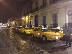 UOTEO  se moviliza en la capital para manifestar su rechazo a  Uber