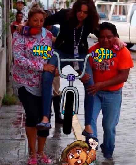 lady-reportera-bici