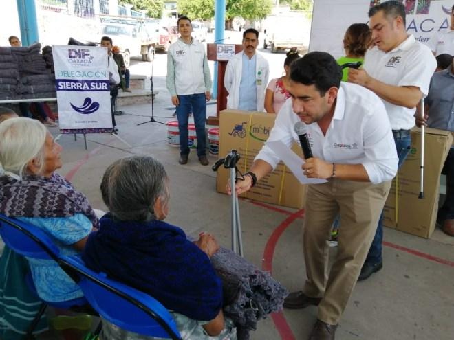 Gobierno del Estado y DIF Oaxaca entregan 22 prótesis elaboradas por manos oaxaqueñas y presupuesto cien por ciento del Estado