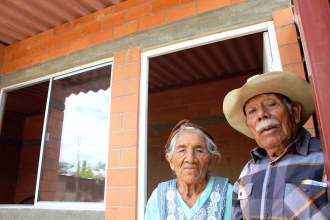 Avanza Sinfra en trabajos de construcción de 687 cuartos dormitorio en localidades de seis regiones