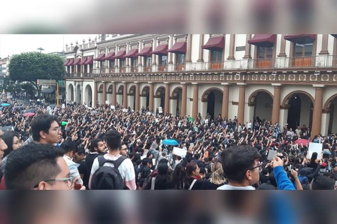 Universitarios||