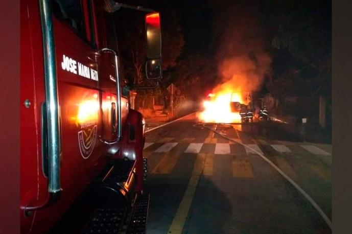Patrulla de la Secretaría de Seguridad Pública se incendió