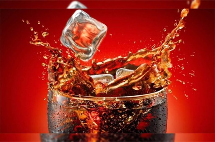Joven fue hospitalizado de emergencia por tomar litro y medio de Coca-Cola fría en 10 minutos; falleció