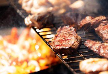 肉を焼くイメージ