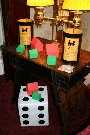 monopoly-room2-xmas