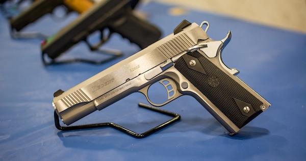 pistol-1350484_960_720