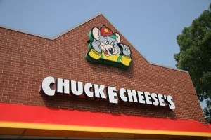 Exterior of Chuck E. Cheese's restaurant. Source. hdwalls.xyz