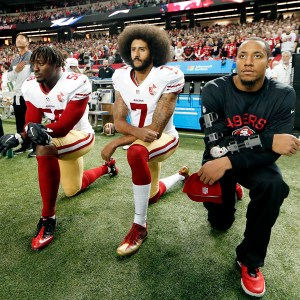 Colin Kaepernick Kneeling Like a Cuck During the National Anthem