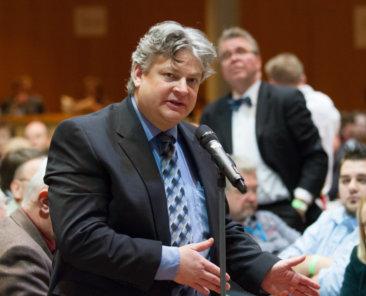 Wehrhafte Demokratie: AfD-MdB im Bundestag Thomas Seitz verliert Beamtenstatus weil er im Wahlkampf für Alternative für Deutschland Verfassungstreue bricht.