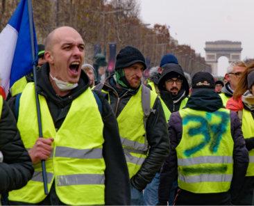 Die Gelbwestenbewegung in Frankreich provoziert die Frage, ob sich liberale Demokratien eine ambitionierte Klimapolitik leisten können. Darüber schreiben für das zentrum Liberale Moderne Ottmar Edenhofer und Linus Mattauch