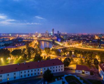 Vilnius_Modern_Skyline_At_Dusk_Lithuania_-_Diliff-1neu