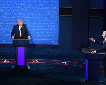 Donald Trump und Joe Biden beim TV-Duell im Präsidentschaftswahlkampf am 22. Oktober 2020, Foto: Devi Bones/Shutterstock
