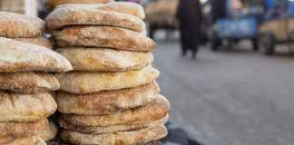 Les Marocains gardent un attachement particulier au pain « maison » traditionnel. Shutterstock
